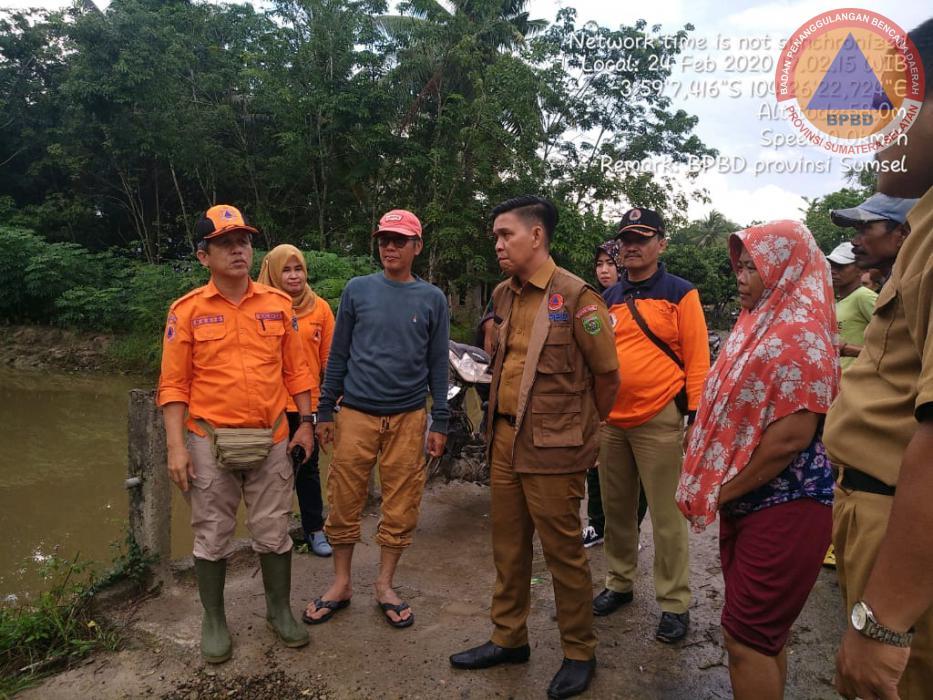 Tim Kaji Cepat BPBD Prov. Sumsel Melakukan Kaji Cepat Ke Lokasi Bencana Banjir di Kabupaten OKU Timur
