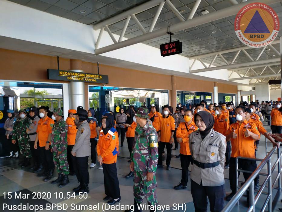 Kalaksa BPBD Prov. Sumsel Bersama Semua Instansi Pemerintah Lakukan Pencegahan Penyebaran Virus Corona (Covid-19) di Bandara SMB II Palembang